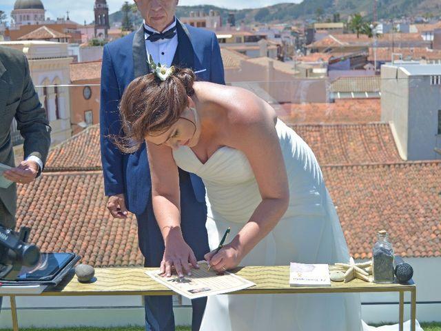 La boda de Jose y Isabel  en Santa Cruz De Tenerife, Santa Cruz de Tenerife 46