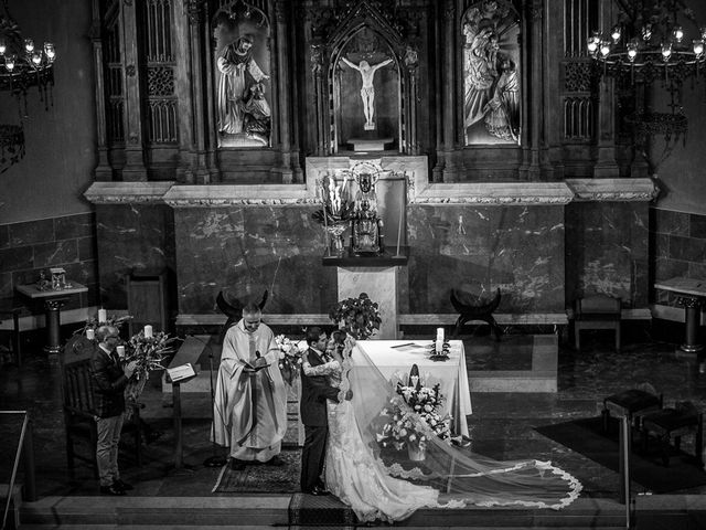 La boda de Carlos y Jessica en Barcelona, Barcelona 33