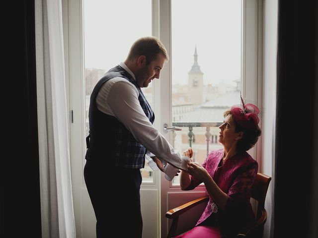 La boda de Leandro y Marta en Madrid, Madrid 19