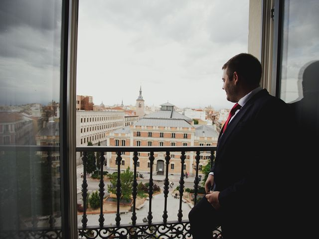 La boda de Leandro y Marta en Madrid, Madrid 23