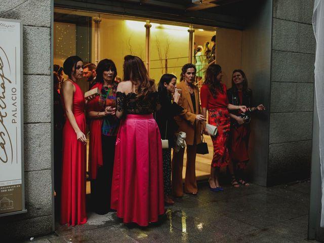 La boda de Leandro y Marta en Madrid, Madrid 83