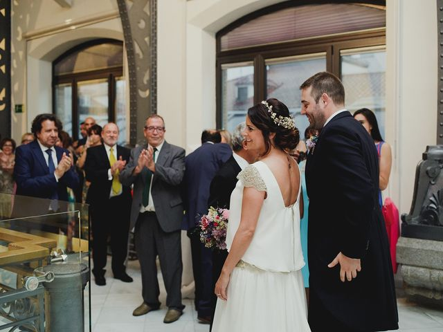 La boda de Leandro y Marta en Madrid, Madrid 93