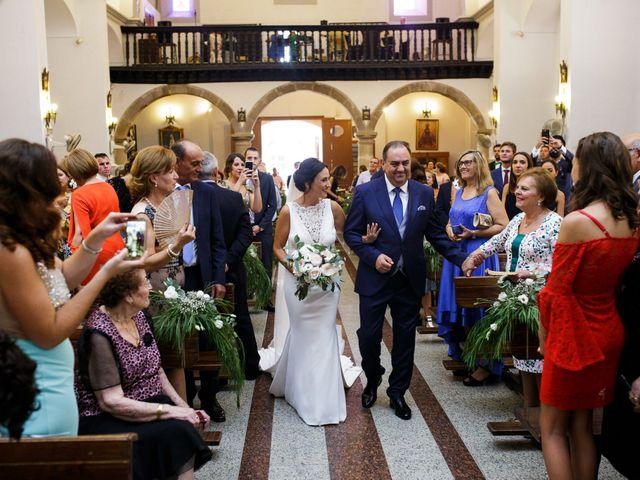 La boda de Victor y Maleni en Arroyo De San Servan, Badajoz 42