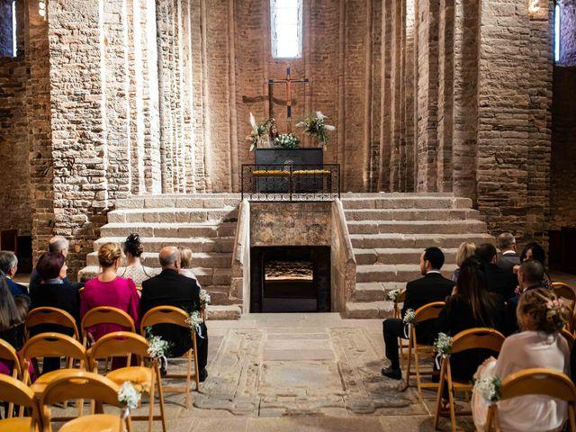 La boda de Jesús y Marta en Cardona, Barcelona 33