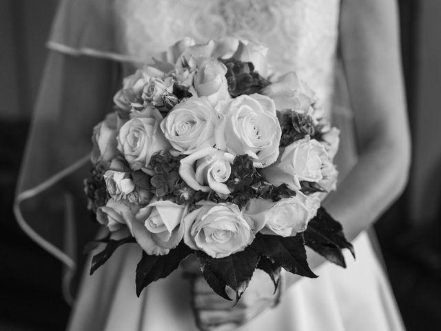 La boda de Carlos y Myriam en Orihuela, Alicante 24