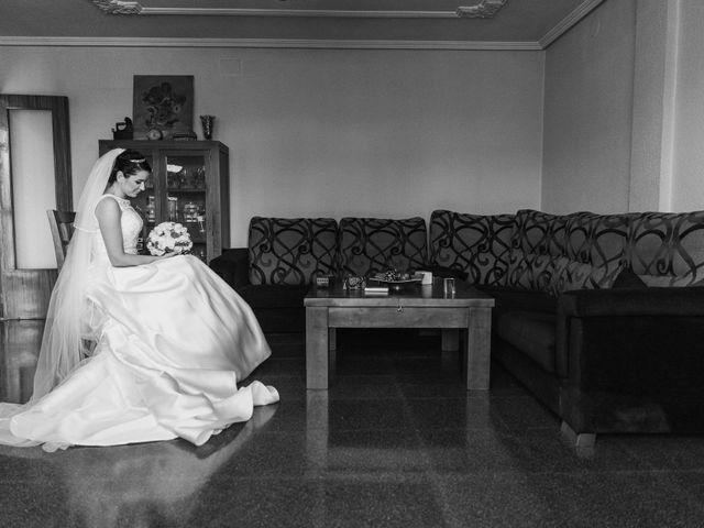 La boda de Carlos y Myriam en Orihuela, Alicante 25