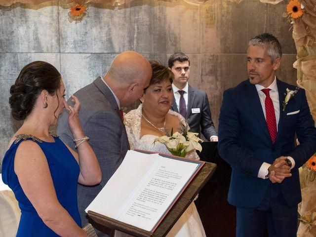 La boda de Elizabeth y Jesús Tomás en La Almunia De Doña Godina, Zaragoza 1