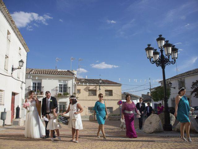 La boda de Carlos y Ana en Tribaldos, Cuenca 12