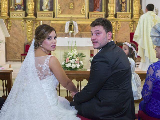 La boda de Carlos y Ana en Tribaldos, Cuenca 17