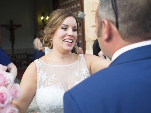 La boda de Carlos y Ana en Tribaldos, Cuenca 21