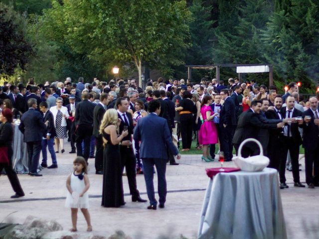 La boda de Carlos y Ana en Tribaldos, Cuenca 23