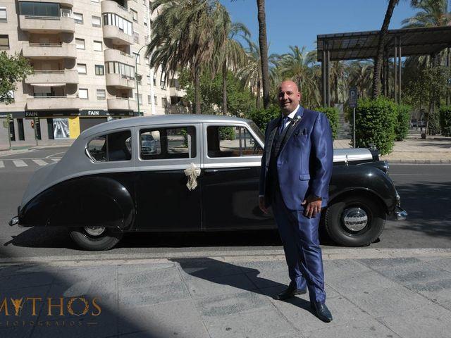 La boda de Juan Carlos y Eva Maria en Sevilla, Sevilla 5