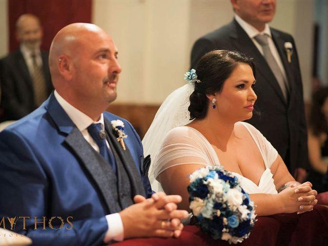 La boda de Juan Carlos y Eva Maria en Sevilla, Sevilla 28