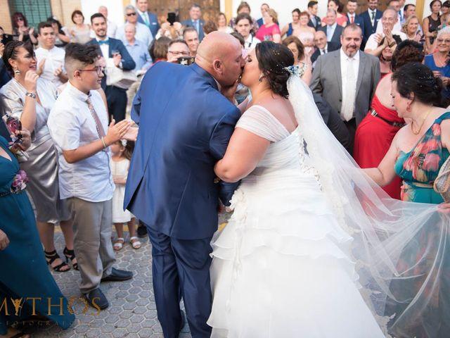 La boda de Juan Carlos y Eva Maria en Sevilla, Sevilla 35