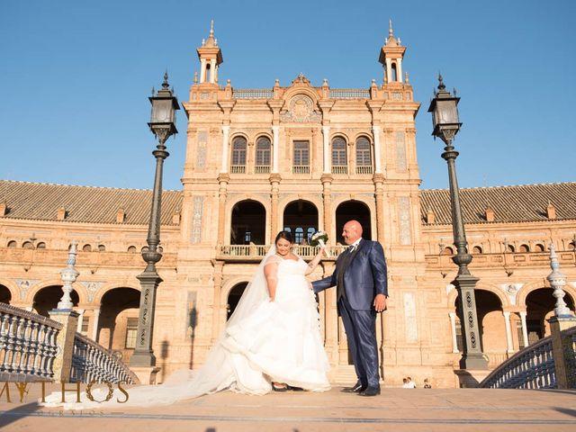La boda de Juan Carlos y Eva Maria en Sevilla, Sevilla 42