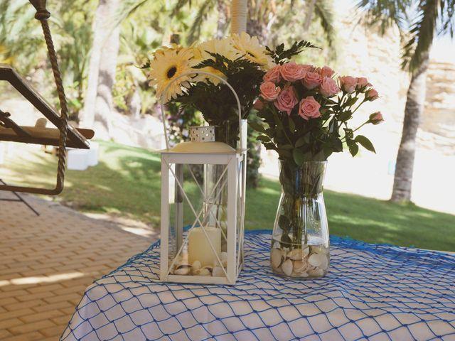 La boda de Rodrigo y Mónica en La/villajoyosa Vila Joiosa, Alicante 13