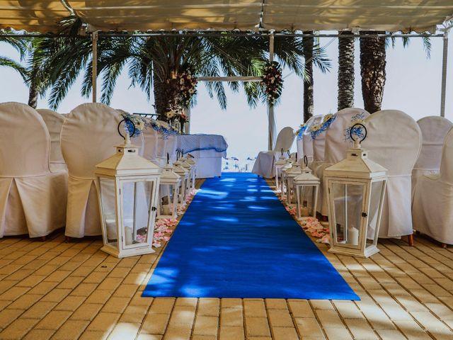 La boda de Rodrigo y Mónica en La/villajoyosa Vila Joiosa, Alicante 14