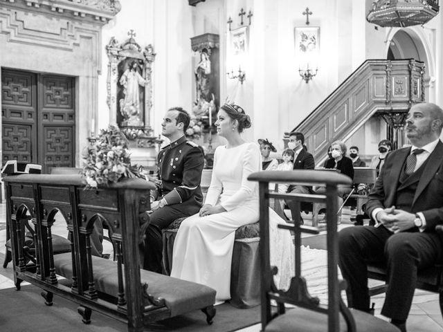 La boda de Julio y Olga en Madrid, Madrid 33