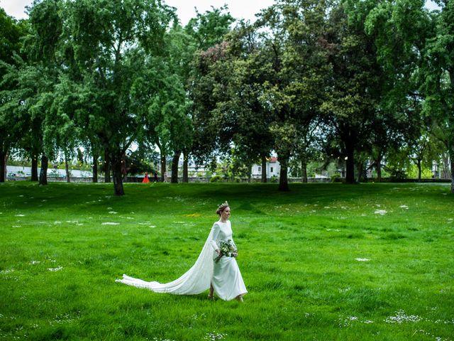 La boda de Julio y Olga en Madrid, Madrid 42