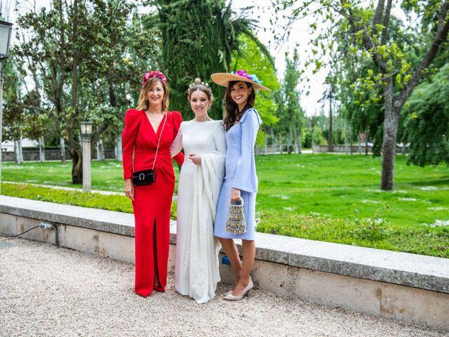 La boda de Julio y Olga en Madrid, Madrid 65
