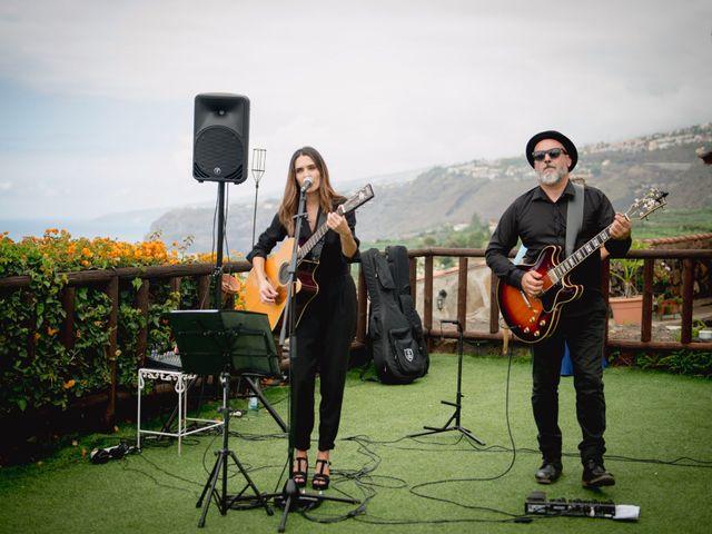 La boda de Miguel y Sahira en Puerto De La Cruz, Santa Cruz de Tenerife 43