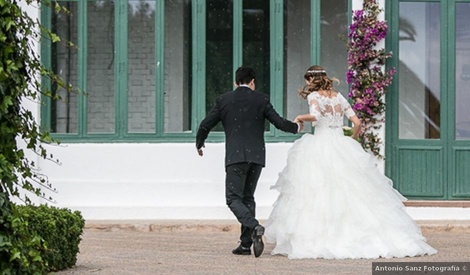 La boda de Tono y Andrea en El Puig, Valencia