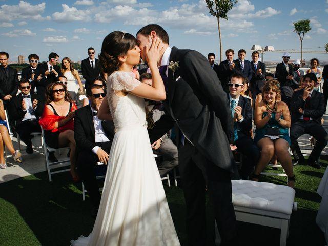 La boda de Óscar y Inês en Madrid, Madrid 33