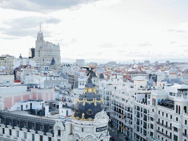 La boda de Óscar y Inês en Madrid, Madrid 42