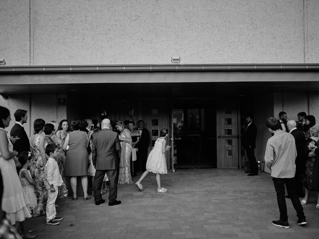 La boda de Cristian y Alicia en Villanueva De La Cañada, Madrid 38