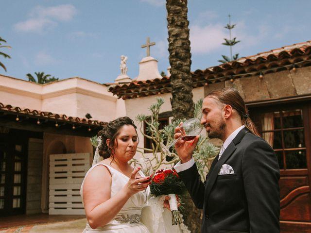 La boda de Juanje y Sarai en Santa Cruz De Tenerife, Santa Cruz de Tenerife 23