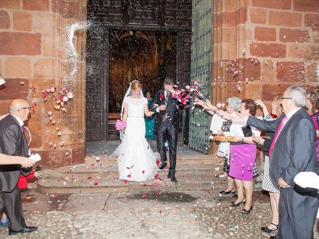 La boda de Miguel y Cande en Mengibar, Jaén 11