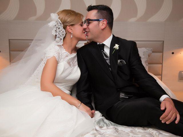 La boda de Miguel y Cande en Mengibar, Jaén 16