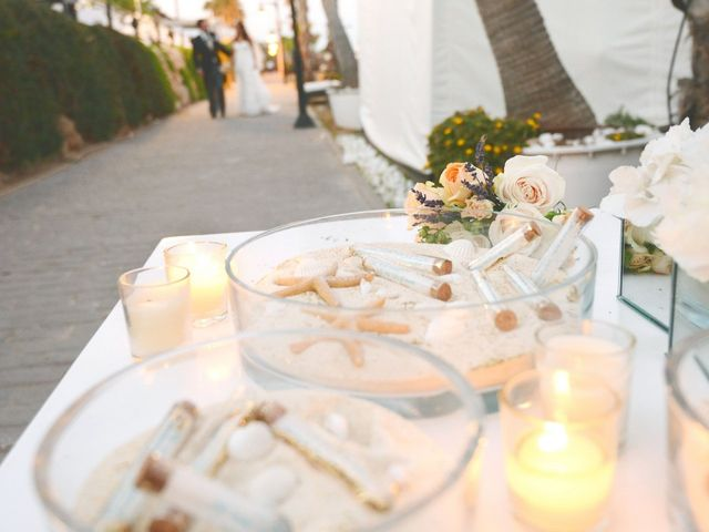La boda de Javier y Myriam en Estepona, Málaga 10