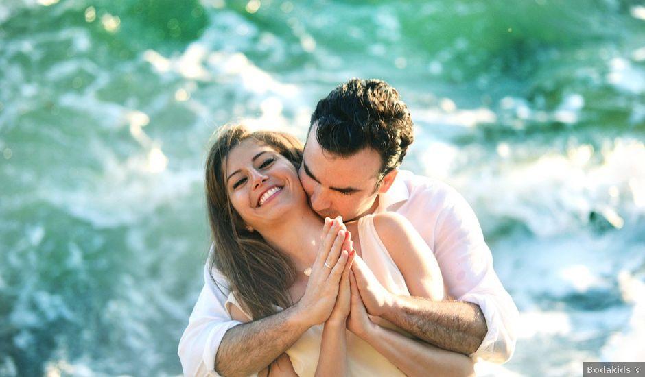 La boda de Javier y Myriam en Estepona, Málaga