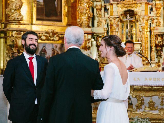 La boda de Javi y Almu en Hoyuelos, Segovia 17