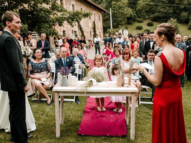 La boda de Alex y Leire en Atxondo, Vizcaya 36