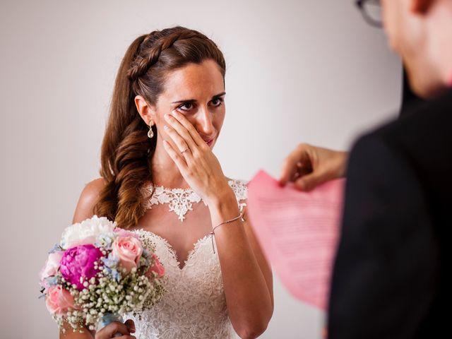 La boda de Xavi y Mireia en Vilanova I La Geltru, Barcelona 33