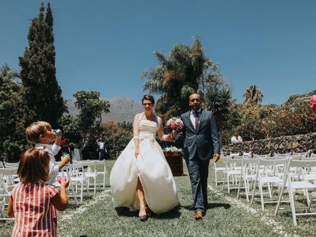 La boda de Goyo y Ana en Guimar, Santa Cruz de Tenerife 31
