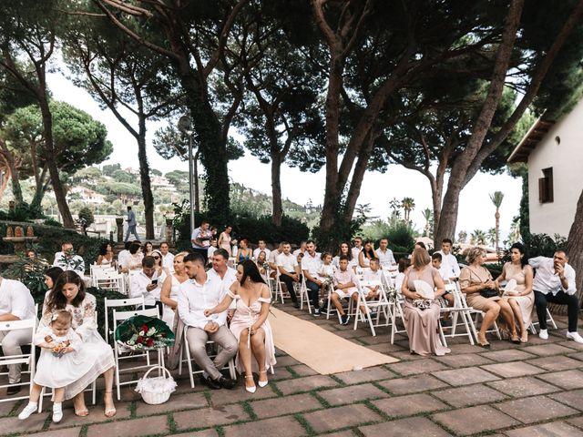 La boda de Danu y Victoria en Sant Vicenç De Montalt, Barcelona 25
