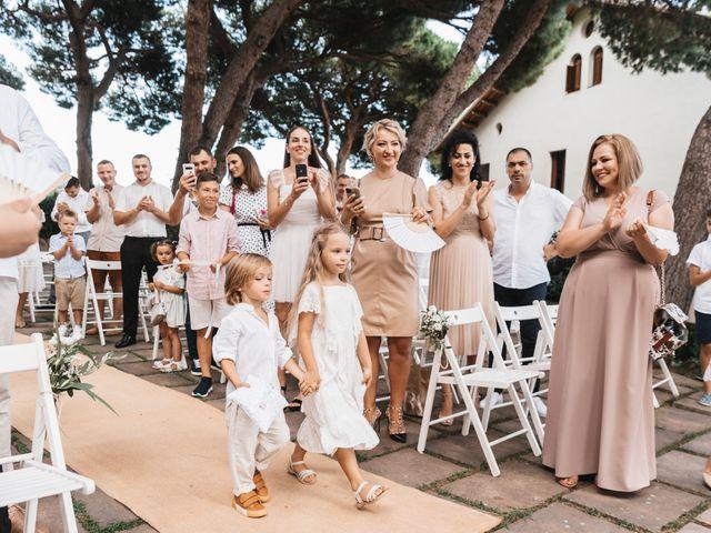 La boda de Danu y Victoria en Sant Vicenç De Montalt, Barcelona 29