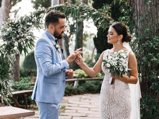 La boda de Danu y Victoria en Sant Vicenç De Montalt, Barcelona 31