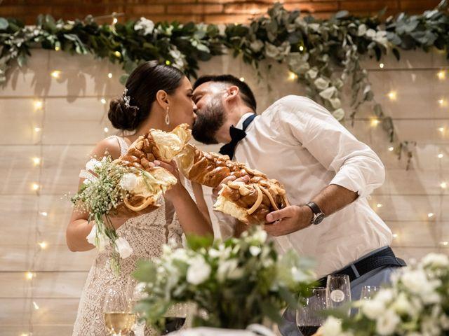 La boda de Danu y Victoria en Sant Vicenç De Montalt, Barcelona 57
