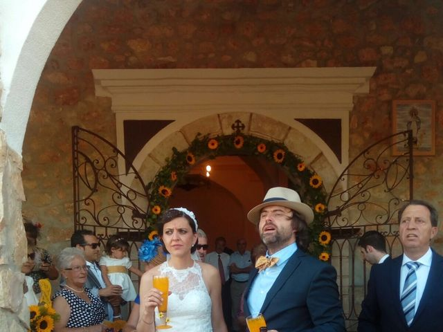 La boda de Miguel Ángel  y María del Pilar en Villamayor De Santiago, Cuenca 14