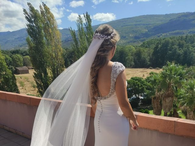 La boda de Rafael y Virginia  en Valdastillas, Cáceres 3