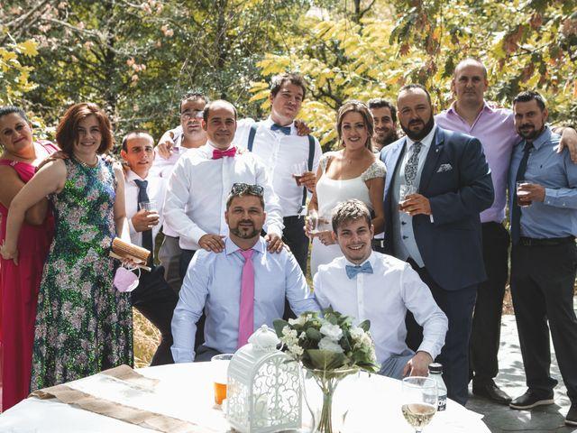 La boda de Rafael y Virginia  en Valdastillas, Cáceres 18