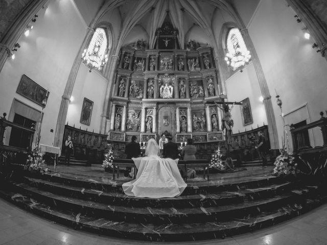 La boda de Luis y Laura en Piedrabuena, Ciudad Real 24