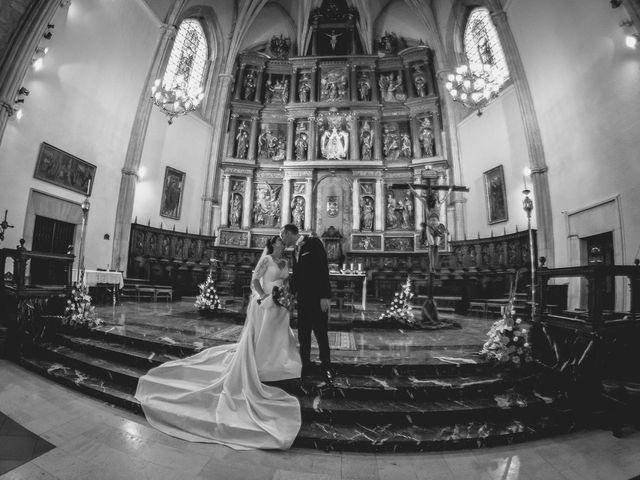La boda de Luis y Laura en Piedrabuena, Ciudad Real 27