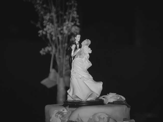 La boda de Luis y Laura en Piedrabuena, Ciudad Real 44