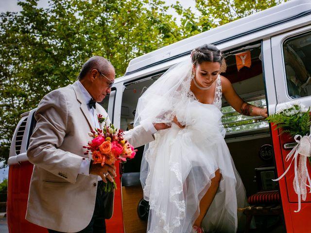 La boda de Josu y Carolina en Hondarribia, Guipúzcoa 18