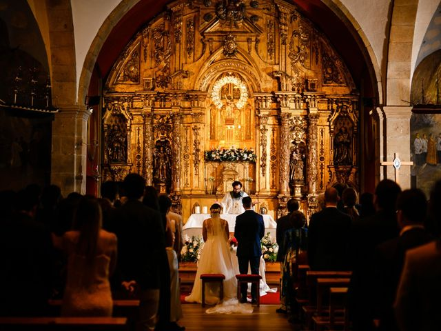 La boda de Josu y Carolina en Hondarribia, Guipúzcoa 26